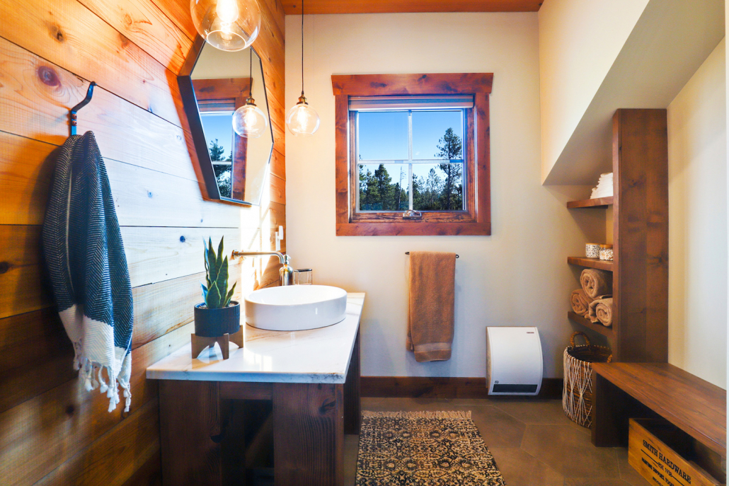 modern rustic mountain bathroom