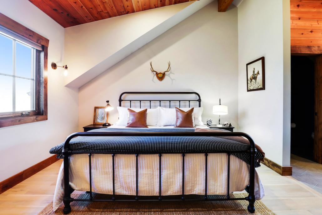 mountain modern bedroom