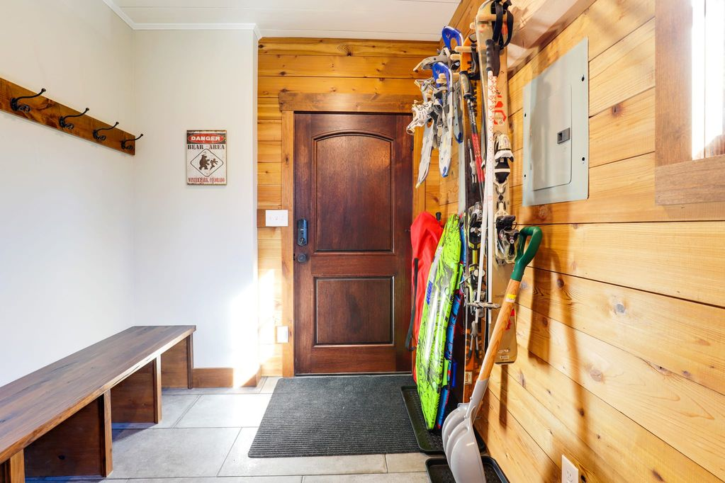 mountain house mudroom